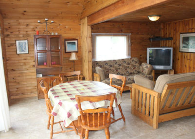 Moira Lake Cottages - Cottage 6